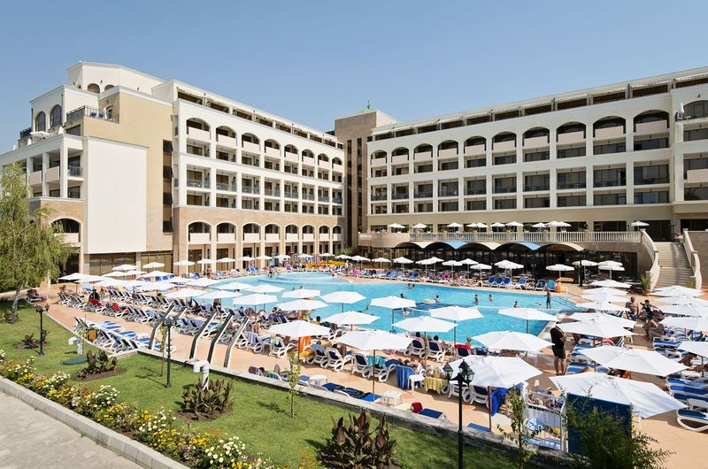 Sol Nessebar Bay & Mare Resort - bazén