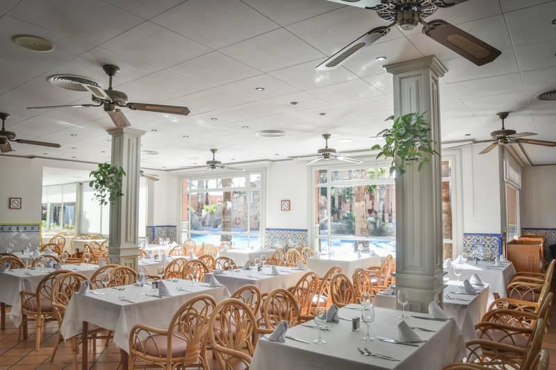 Playa Capricho 4* - reštaurácia
