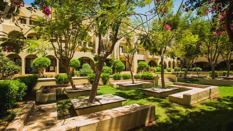 Tala Bay Resort 5* - záhrada
