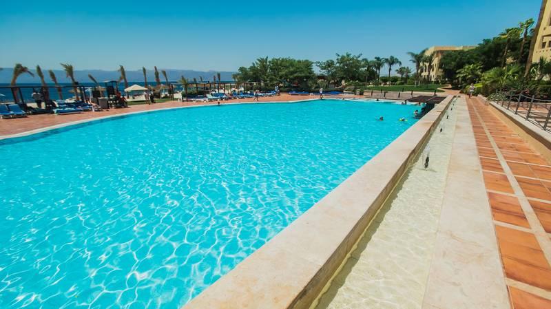 Tala Bay Resort 5* - bazén