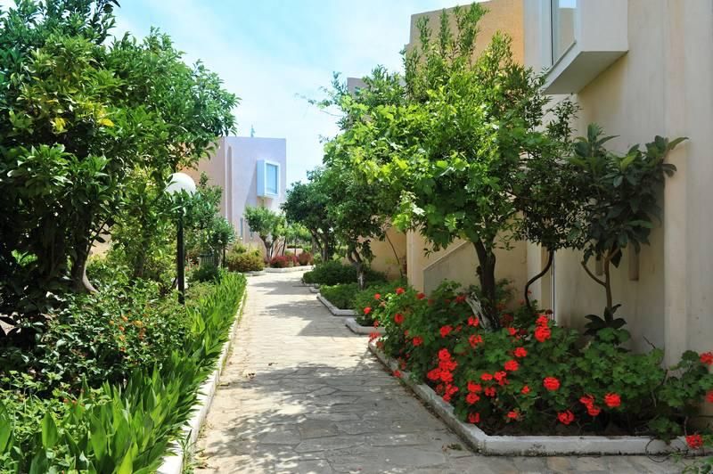 Eden Roc Resort Hotel & Bungalows 4*